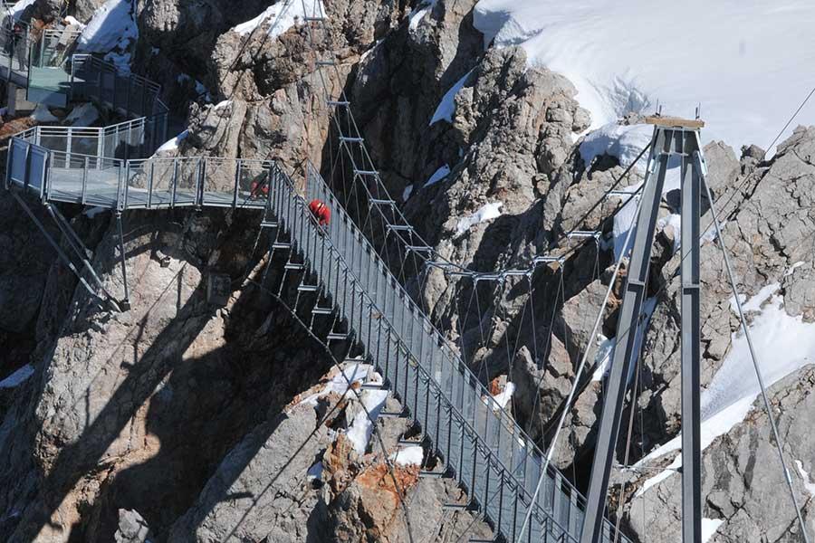 SCIA Referenz - frei schwebende Besucher-Hängebrücke am Dachstein