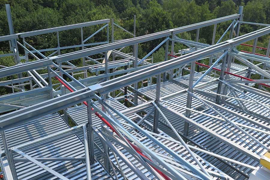 Mit SCIA Engineer dimensionierte Stahlkonstruktion für Lagergebäude
